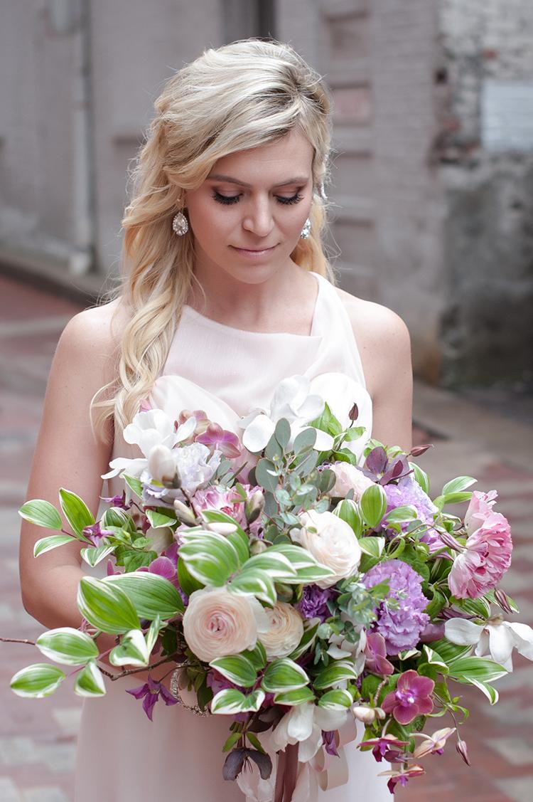 Wedding-at-the-backstage-event-center-Cincinnati-Ben-Elsass-Photography-Floral-Verde.122.jpg