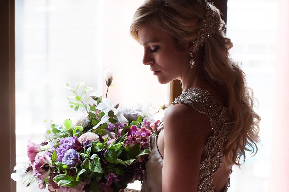 Wedding-at-the-backstage-event-center-Cincinnati-Ben-Elsass-Photography-Floral-Verde.208.jpg