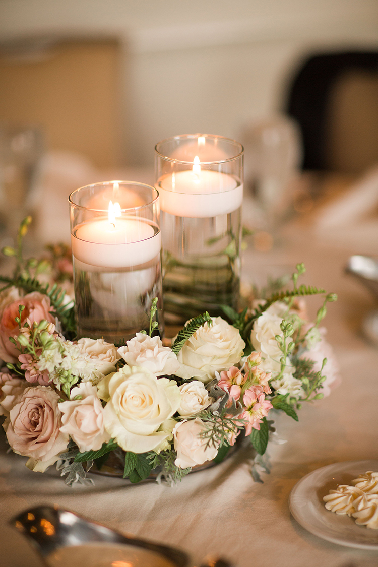 Wedding Reception at Ivy Hills Country Club Cincinnati, Ohio. Flowers by Floral Verde. Photo by Leah Barry Photography.