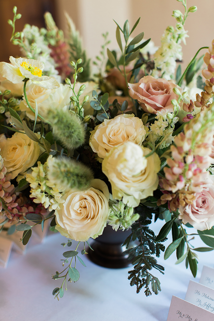 Wedding Reception at Pinecroft Mansion Cincinnati, Ohio. Flowers by Floral Verde. Photo by Lane Baldwin Photography.