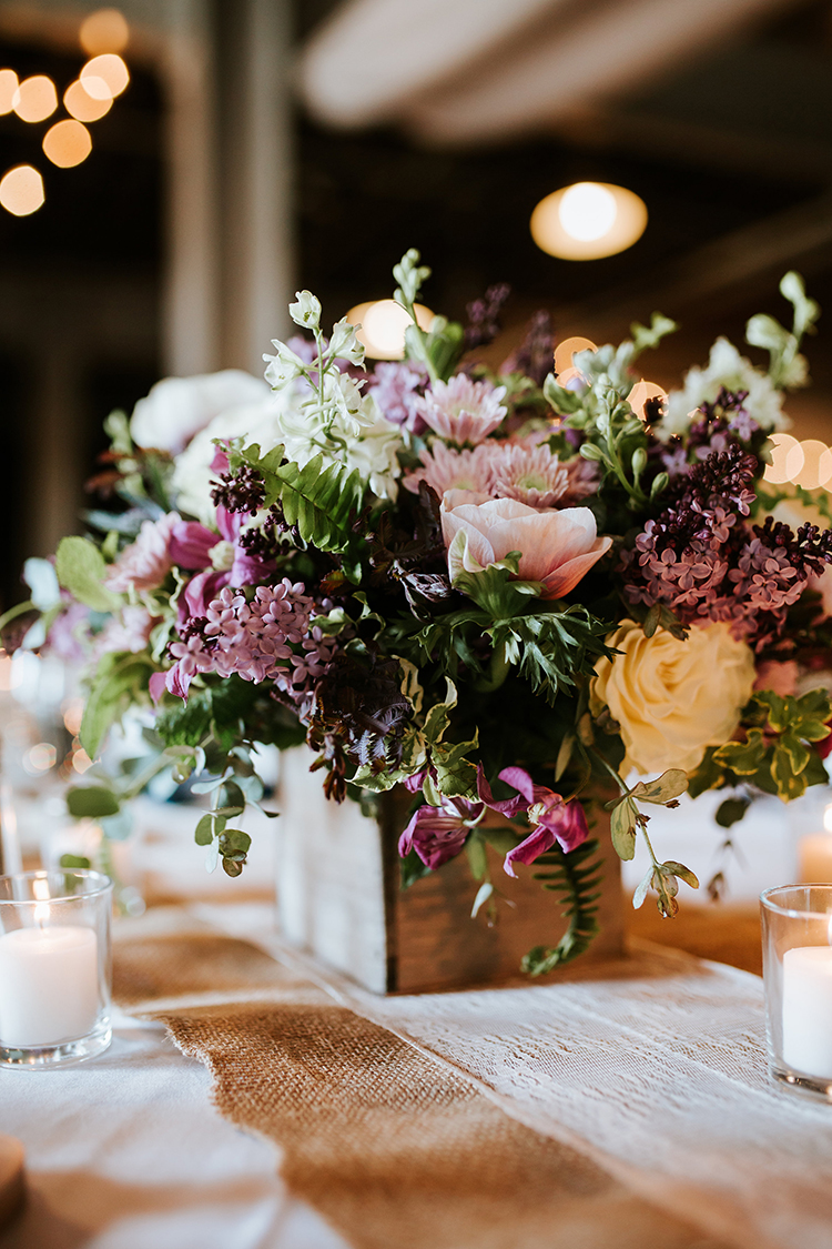 Wedding Reception at Longworth Hall in Cincinnati, Ohio. Flowers by Floral Verde. Photo by Eleven:11 Photography.