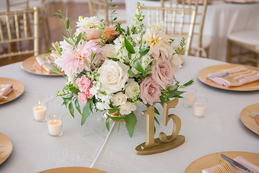Wedding Reception at Pinecroft at Crosley Estates in Cincinnati, Ohio. Flowers by Floral Verde. Photo by Ben Elsass Photography.