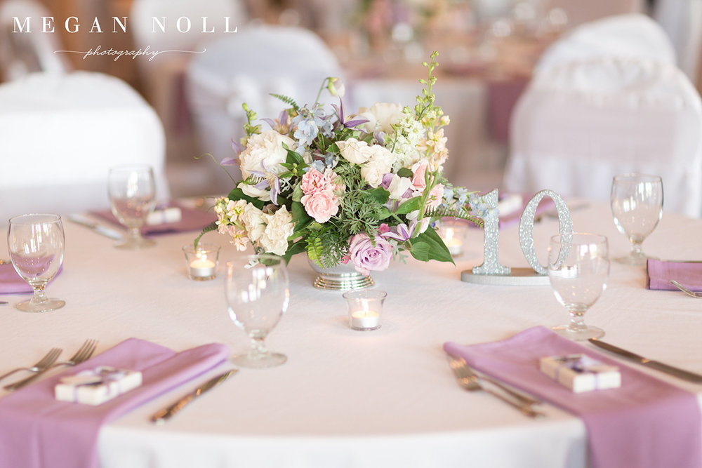 Wedding Reception at Aston Oaks Golf Club in North Bend, Ohio. Flowers by Floral Verde. Photo by Megan Noll Photography.