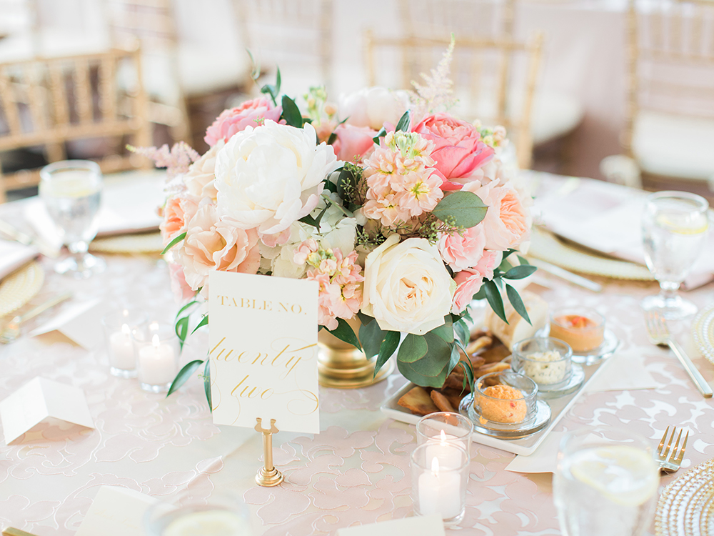 Wedding Reception at The Carrick House in Lexington, Kentucky. Flowers by Floral Verde. Photo by Rachael McCall Photography.