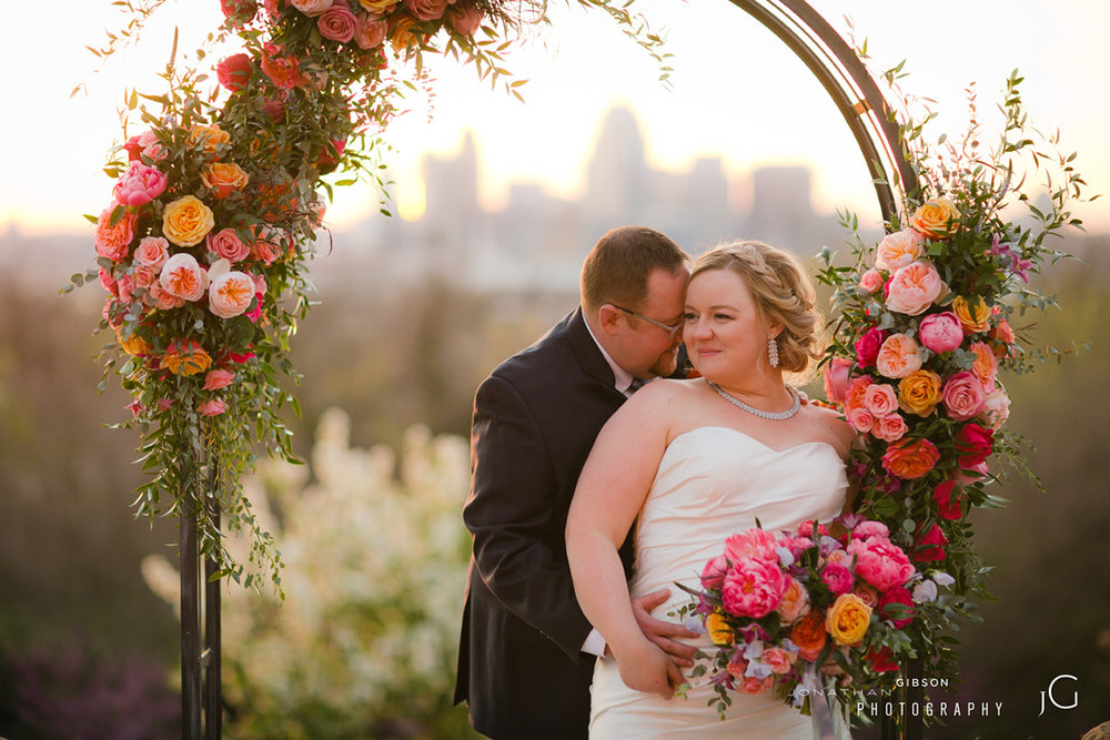 wedding-at-Weidemann-Hill-Mansion-Newport-Kentucky-Jonathan-Gibson-Photography-Floral-Verde-flowers-160.jpg