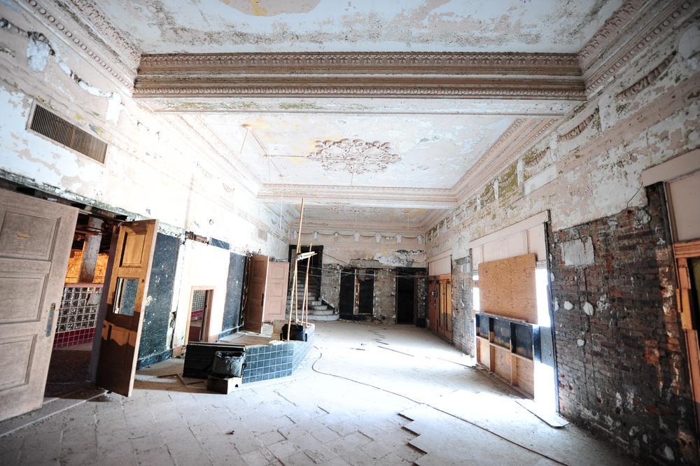 Sun-Theater-St-Louis-3.jpg