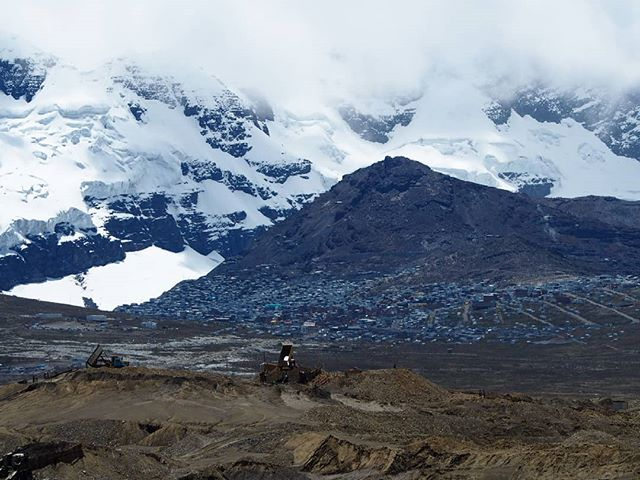An Aztec legend has it that hidden deep within the Andes is the city of gold. La Rinconada, the highest settlement in the world (5100m). Water pumps and trucks reversing break the silence, day and night and I counted at least 20 different mining companies from the main road (before the turnoff to the town) #cityofgold
