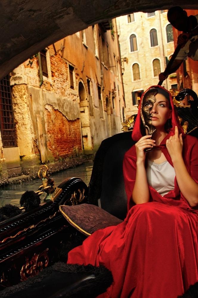 gondola vermelha 2 brunette.jpg
