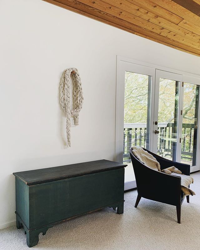 Playing around with how to bring these works into the home space. I have been living with it in the wall for a few days and I think I am liking it a lot in this spot.  #rope #wallhanging #contemporaryart #fiber #fiberart #art #momartist #handmaderope