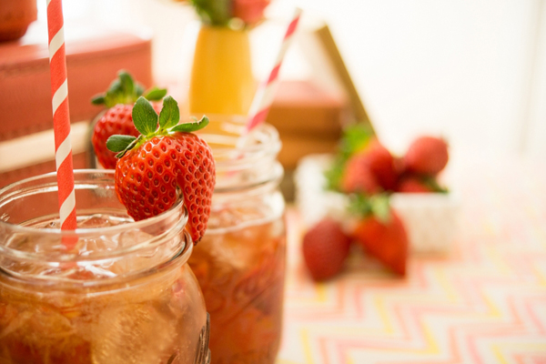 Bourbon drink recipes with strawberries on Showerbelle