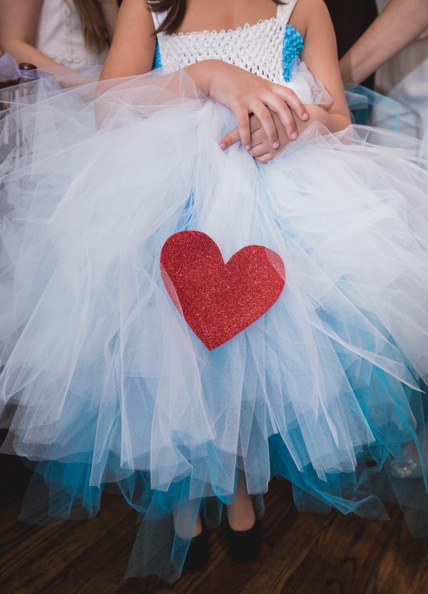 alice in wonderland bridal shower233_low.jpg