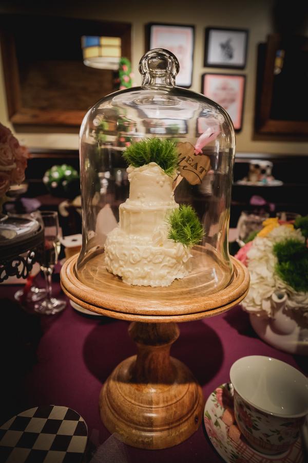 alice in wonderland bridal shower425_low.jpg