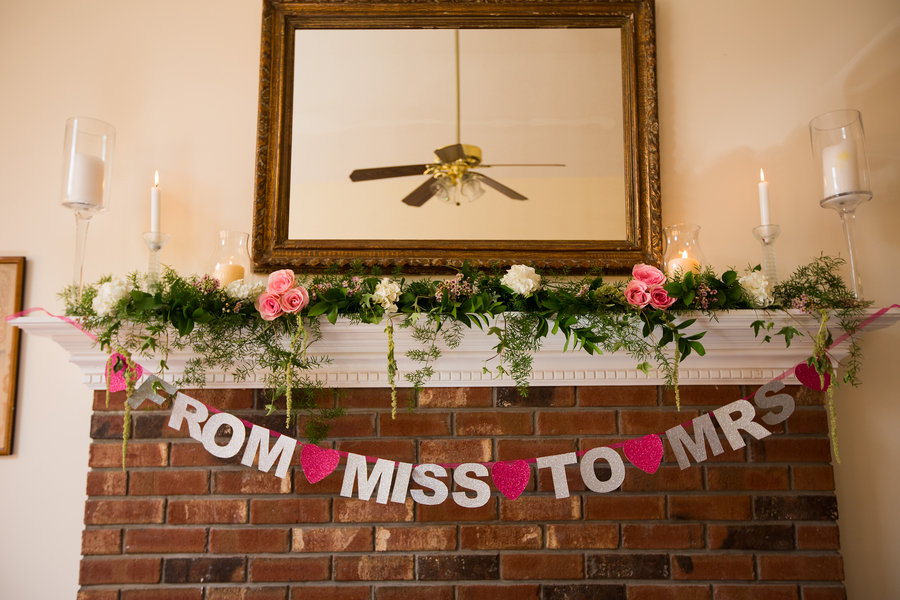 Stefanowich_Ritchie_Heartprint_Photography_KirstensBridalShower031_low.jpg
