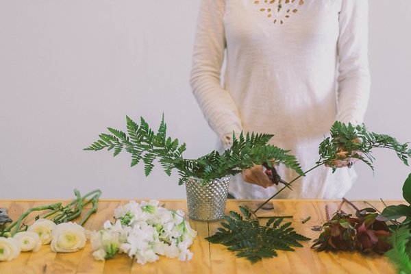 a step-by-step guide: DIY bridal shower centerpieces