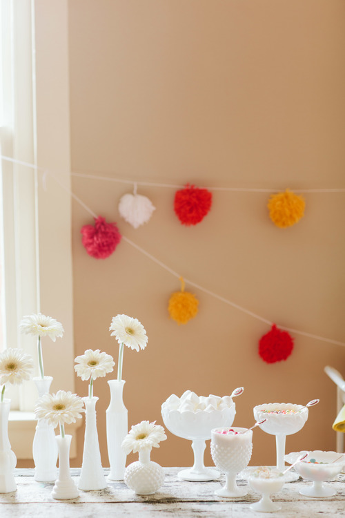 a cute retro inspired bridal shower inspiration shoot on Showerbelle