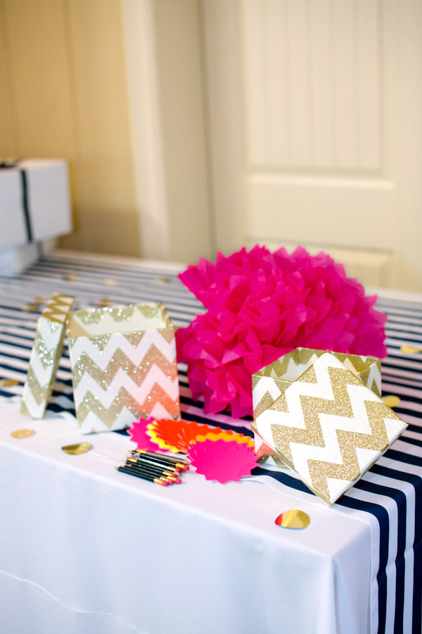 Check out this bold & preppy Kate Spade bridal shower brunch you can recreate at home. #kate #spade #bridal #shower #decorations