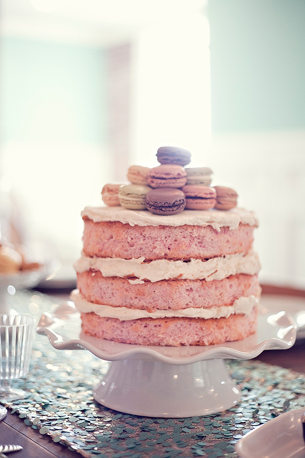 Naked Macaron Cake, Photo by Sitha Vorn