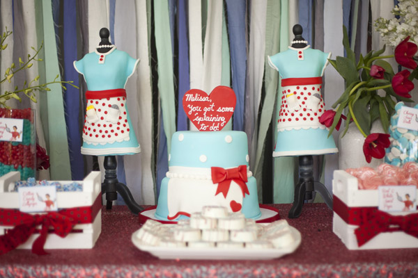"""You've Got Some 'Splaining to Do,"" Cake, Photo by Lovely Bee Creative, Inc."