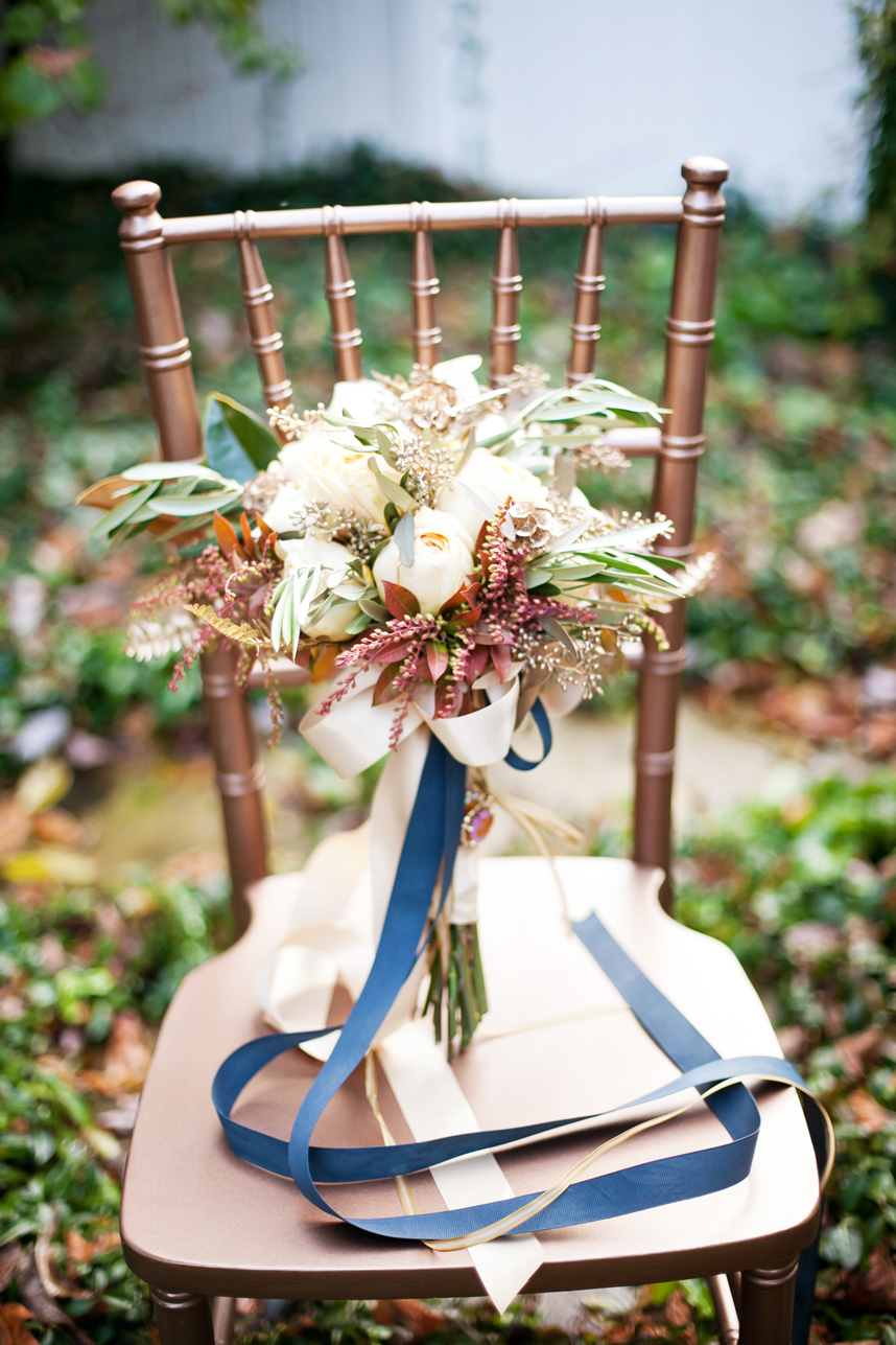 Elegant fall bridal bouquet ideas on Event 29.