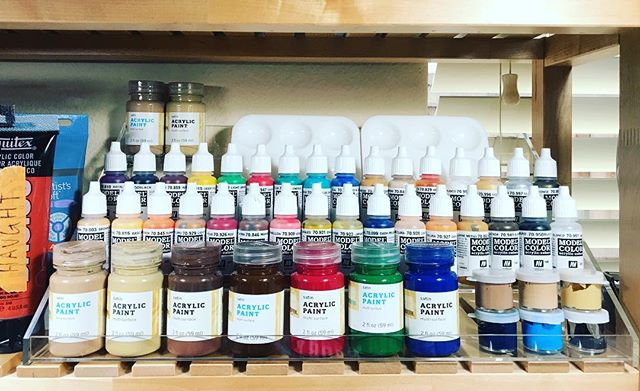 Gotta love an organized paint display! 🎨
