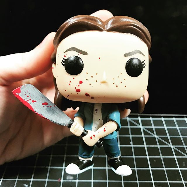 Updated my Ellie custom pop with a new head and some added blood splatter! . . . #TheLastOfUs #EllieWilliams #TLOU2 #CustomFunko #FunkoPop #NaughtyDog #Playstation