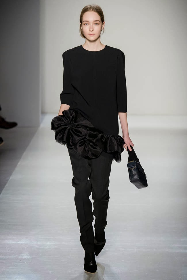 victoria-beckham-fall-winter-2014-show6.jpg