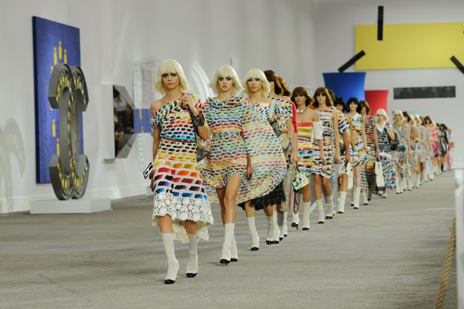 chanel-spring-summer-2014-ready-to-wear-show-pictures-20.jpg