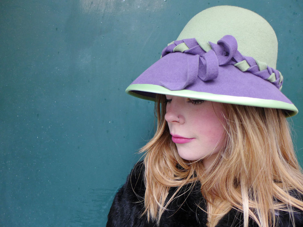 Cloche_green_purple2.jpg
