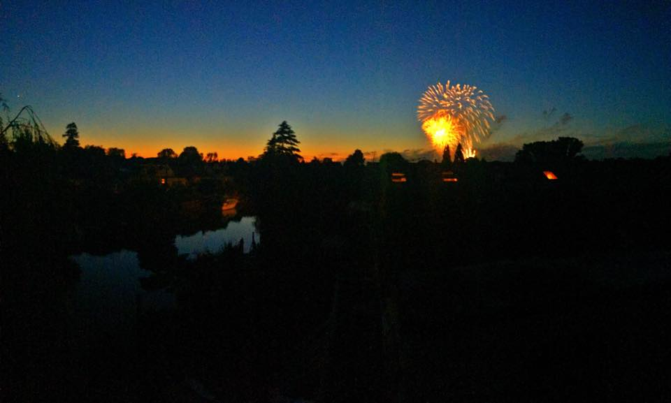 Hampton Court Fireworks.jpg