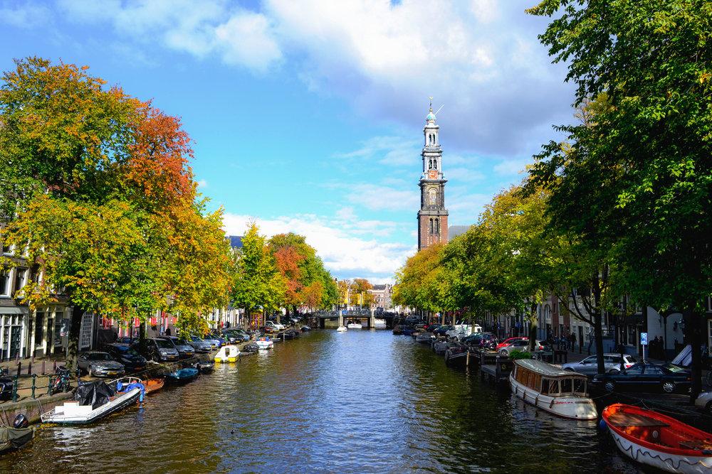 amsterdam-canal-01.jpg