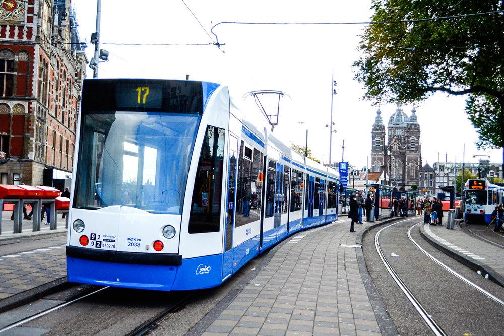 amsterdam-tram-01.jpg