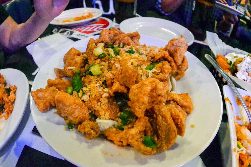 hawaii-home-bar-kimchee-garlic-chicken-03.jpg