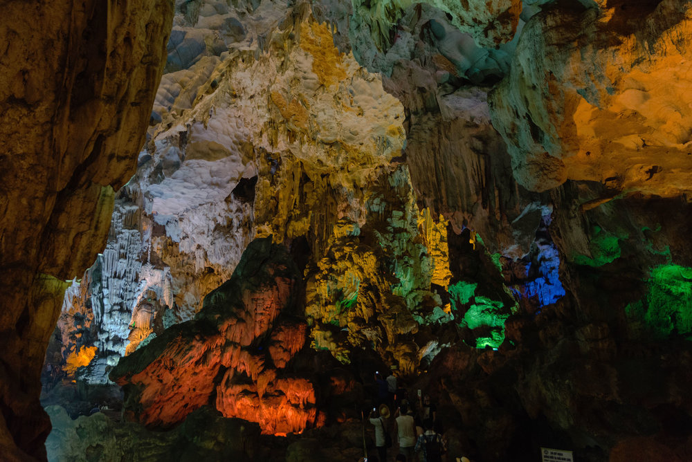 Colorful Dong Thien Cung cave