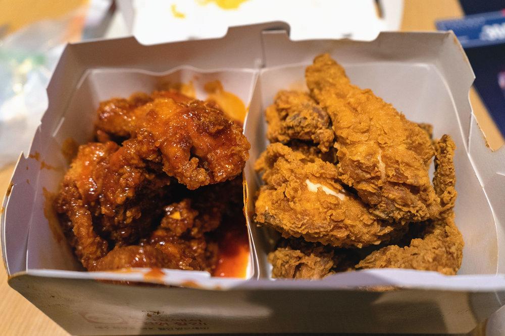 seoul-korea-myeongdong-bhc-chicken-04.jpg