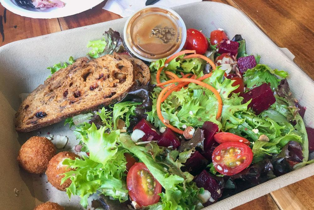 honolulu-latourcafe-salad-2019edit.jpg