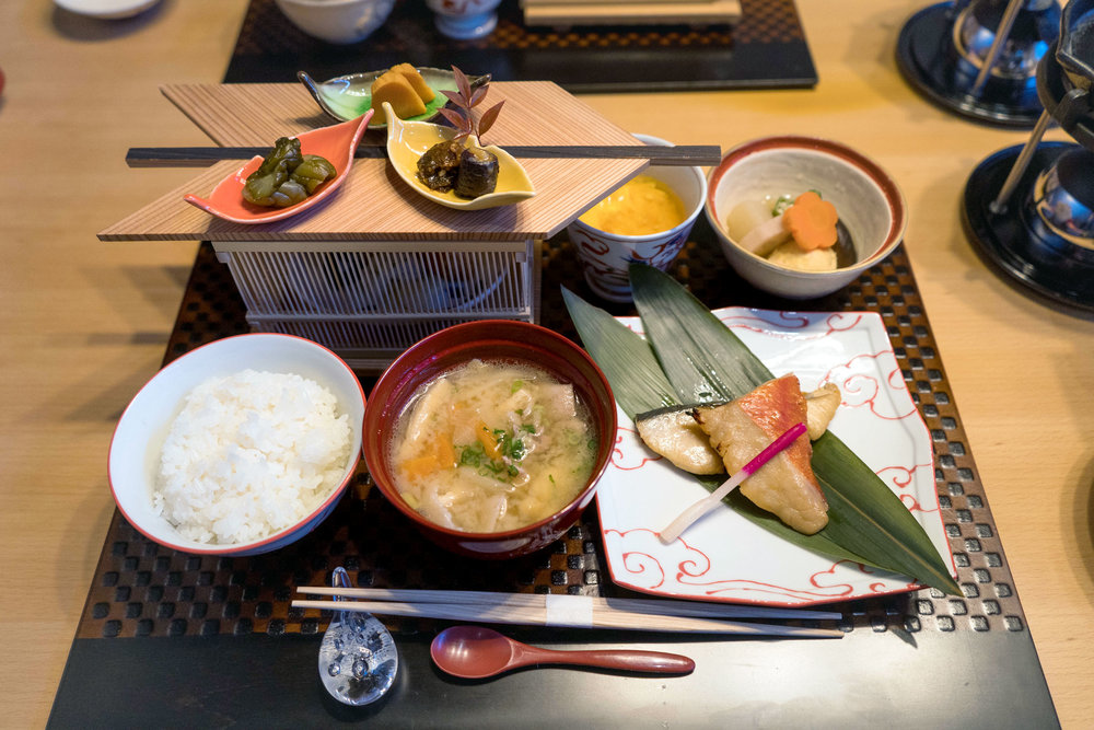 Breakfast featuring fish and tonjiru (pork borth miso soup)