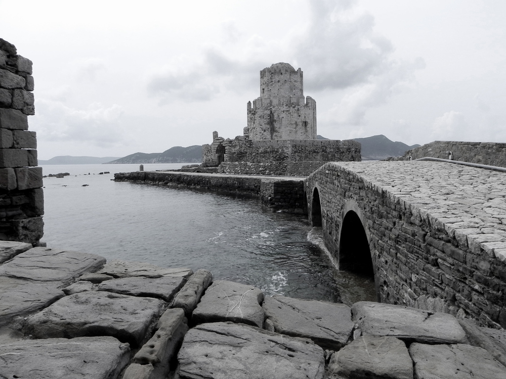 Methoni castle by the winter - photo by Nikos Markopoulos
