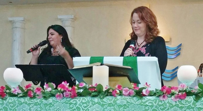 Xiomara Reboyras Ortiz and Rachel Gunter Shapard were the Martha Stearns Marshall preachers at Primera Iglesia Bautista Hispana de Deltona in 2015.