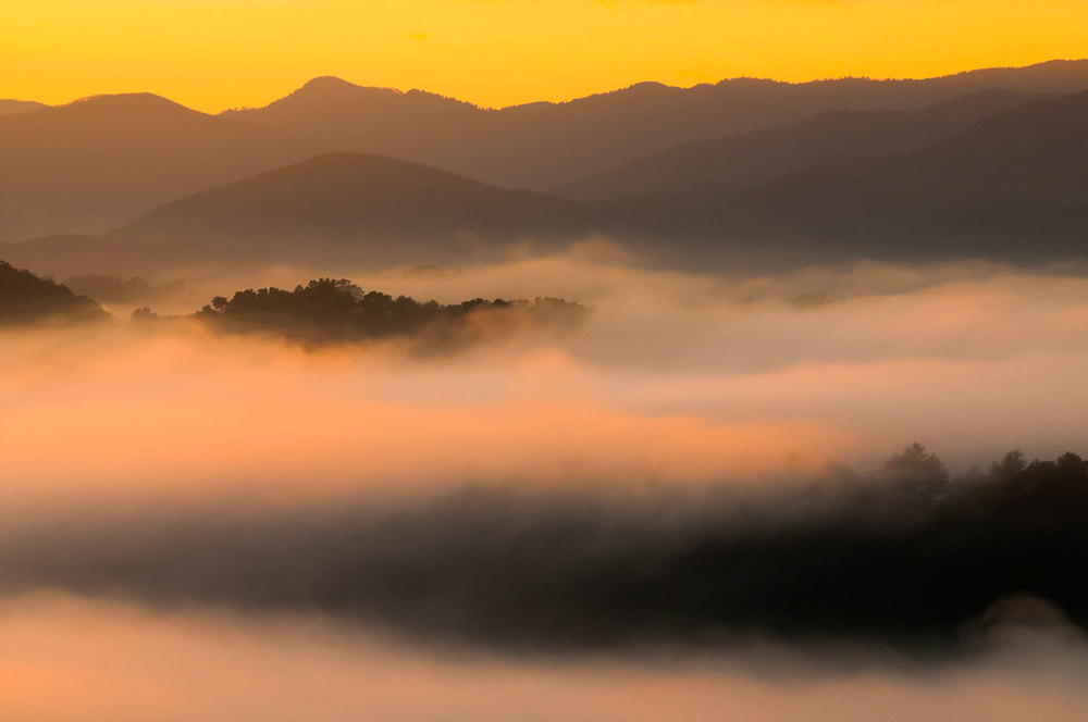Smoke-and-Mountain-Ridges-Foothills-Great-Smoky-Mountains.jpg
