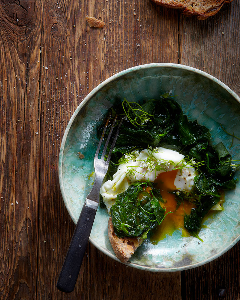 130528_POACHED_EGGS_WITH-WILD_MUSTARDGREENS--17467.jpg