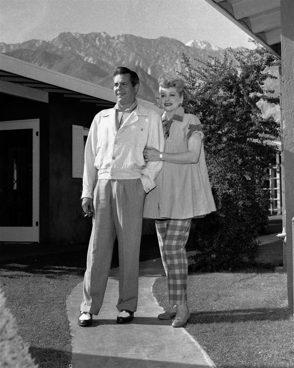 gallery-1436471671-lucy-desi-home-exterior.jpg