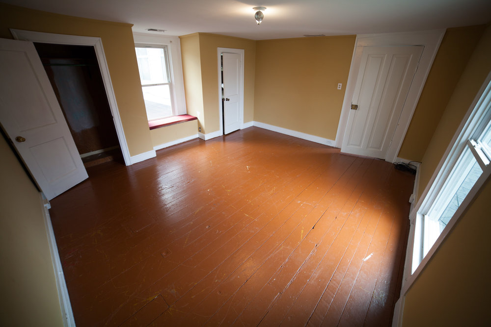 guest room-before.jpg