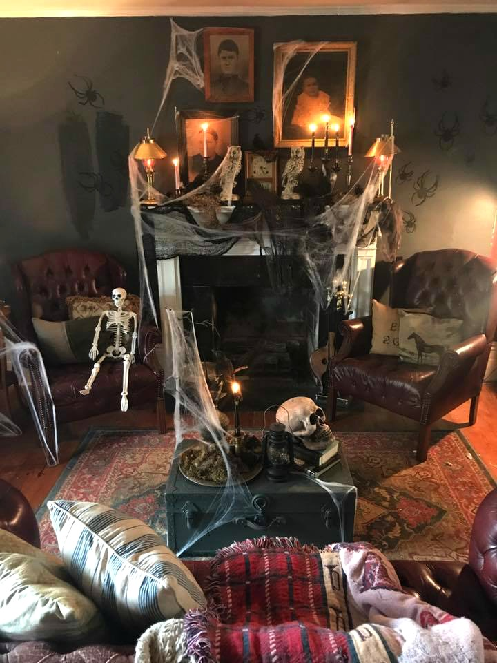 Spooky Halloween Decor on a Budget