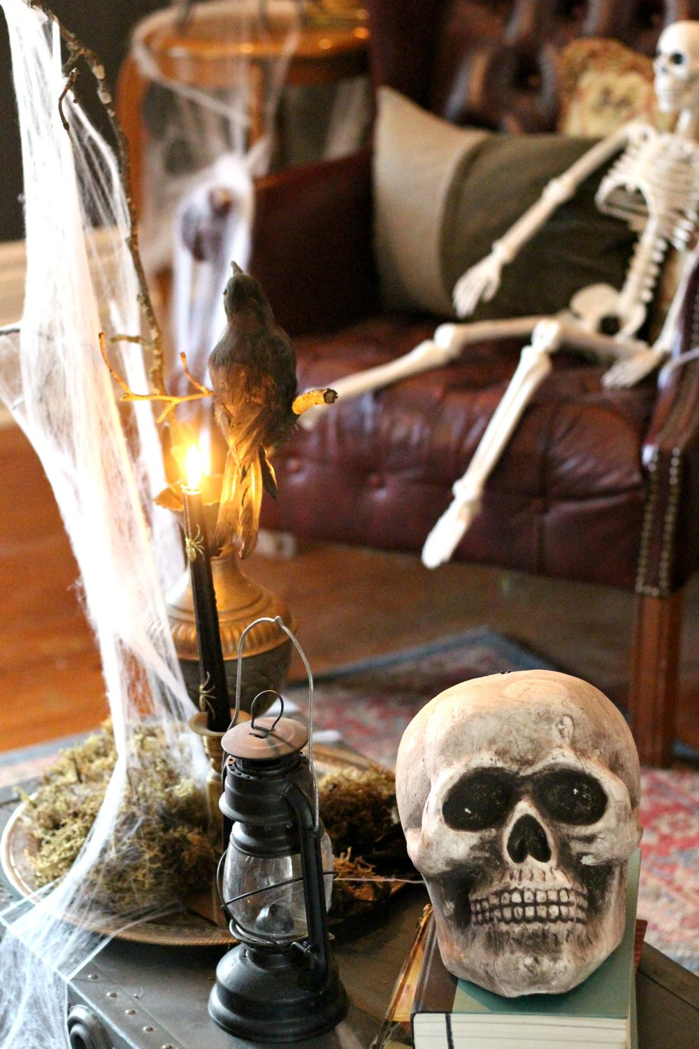Spooky Creepy Halloween Decorating on a Budget