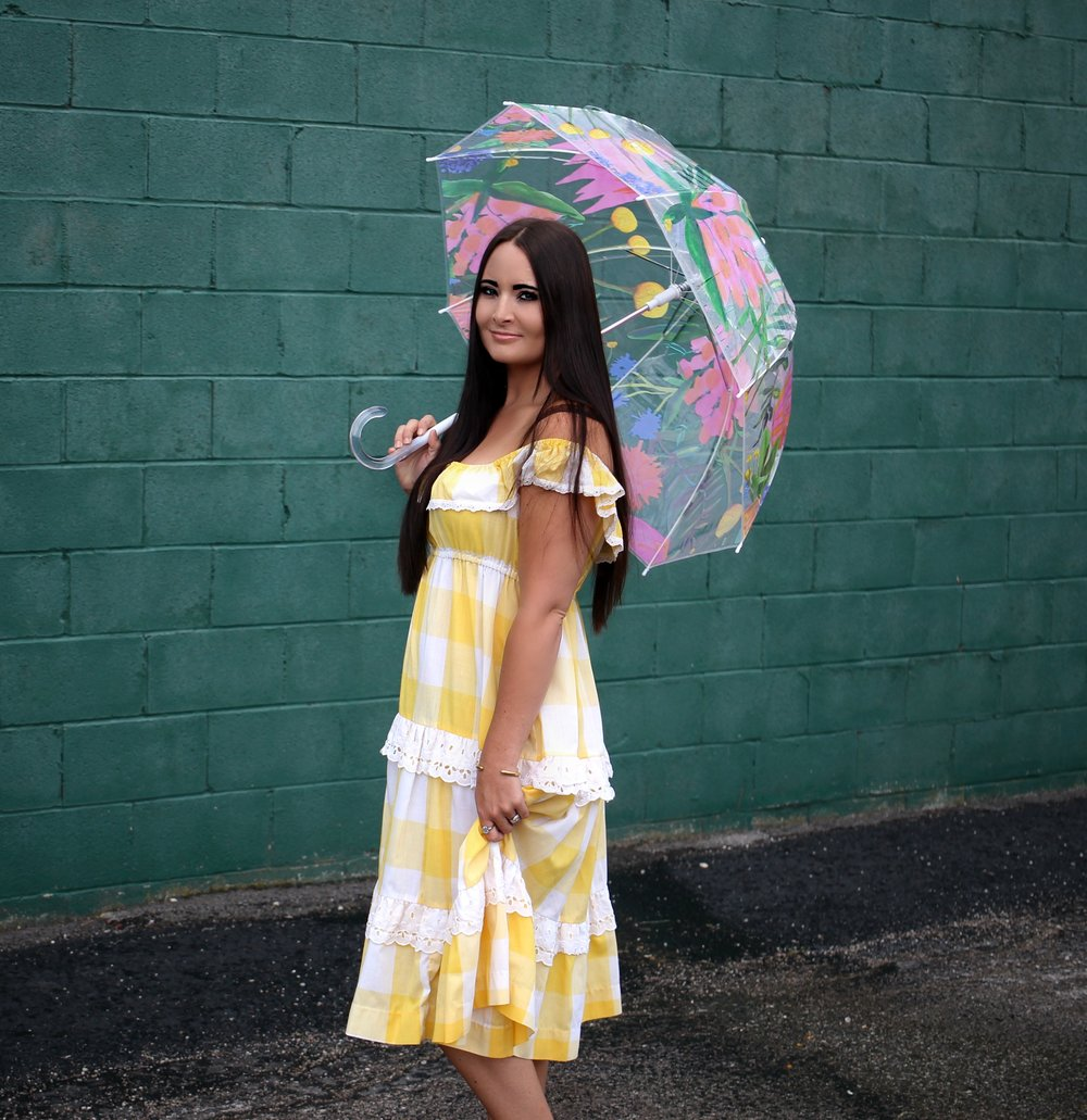 Dress- Vintage (similar  here )   |     Shoes    |   Umbrella- Target (old- similar  here )   |   Purse- Vintage (similar  here )