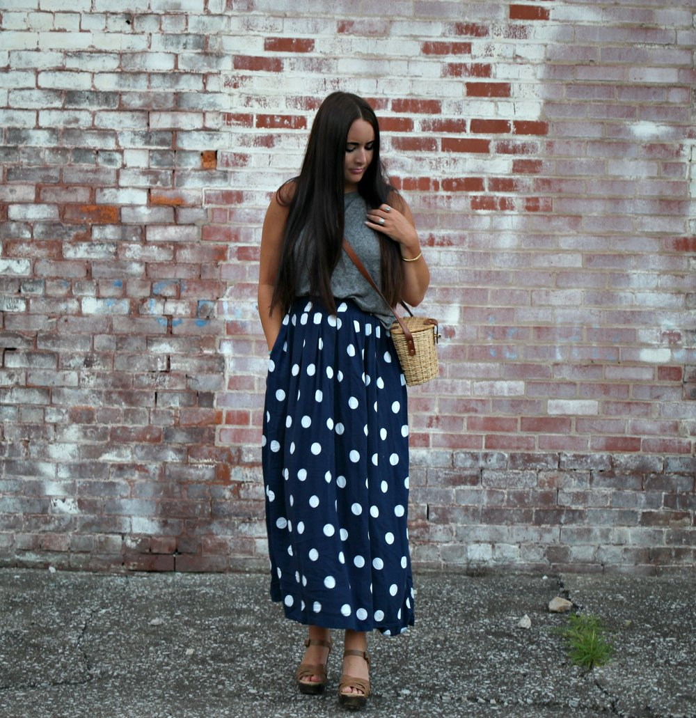 Skirt: Vintage (similar  here ) | Tank: old- similar  here ) |  Shoes: old- similar  here ) | Purse: Vintage (similar  here )