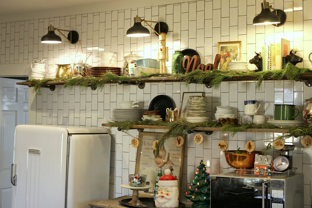 shelf12.JPG