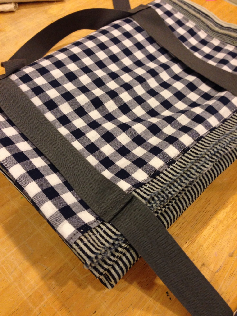 201 conductor stripe with gingham check pocket