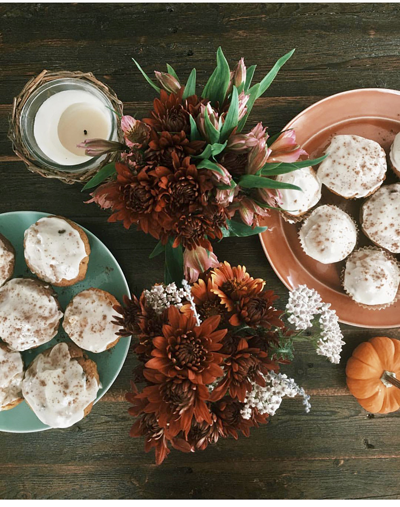 TABLE DECOR FALL BROWN FLOWERS.jpg