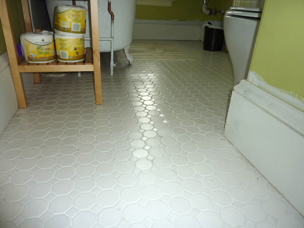 After completing the tiling workshop, Greg tiled this bathroom floor.